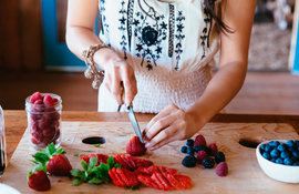AGING-SKIN-PUT-THESE-FOODS-ON-THE-MENU