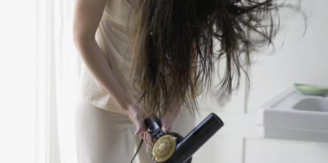 3 συμβουλές για το φορμάρισμα των μαλλιών με αραίωση