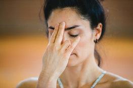 Face-yoga-can-facial-exercises
