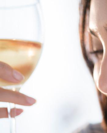 Ποιες είναι οι επιπτώσεις του αλκοόλ για την επιδερμίδα