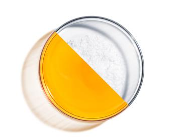 Βιταμίνη C & υαλουρονικό οξύ: Μπορούν να χρησιμοποιηθούν μαζί;