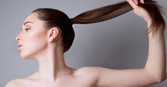 3 τρόποι να αντιμετωπίσετε την αραίωση των μαλλιών μετά τα 40