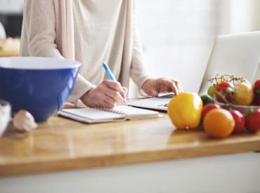Tips για σωστή διατροφή στην εμμηνόπαυση όταν είστε πάνω από 50