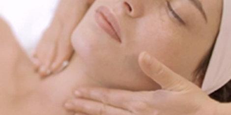 Σωστή Ενυδάτωση Δέρματος: Πως συμβάλει στην υγεία της επιδερμίδας