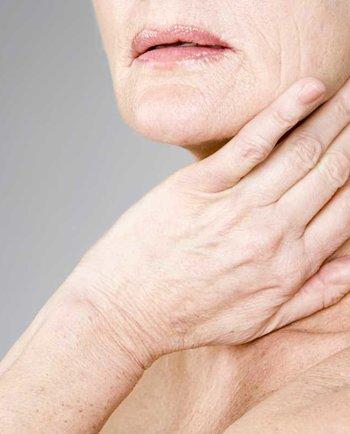 Γιατί είναι τόσο ξηρή η επιδερμίδα μου στην εμμηνόπαυση;