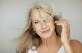 Menopause hot flashes causes symptoms and how to deal with it