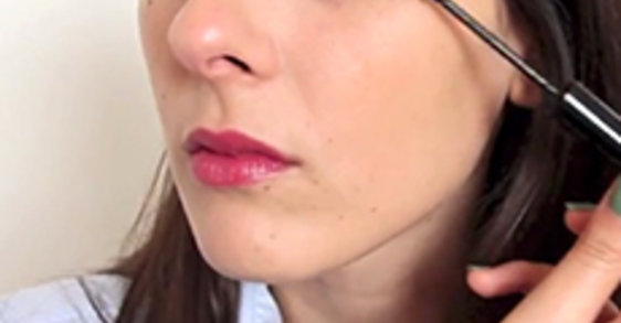 Το καλύτερο make-up για επιδερμίδα με τάση ακμής