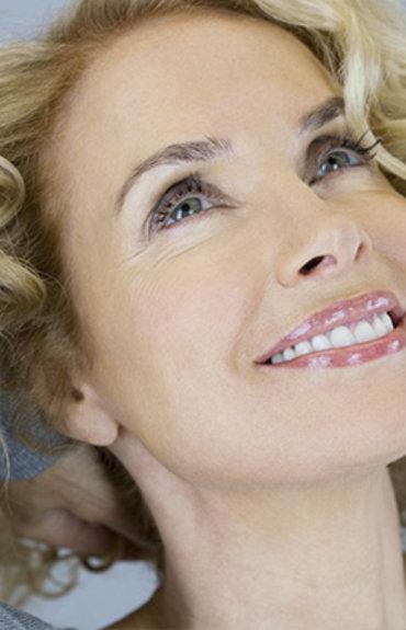 Εμμηνόπαυση και αντιμετώπιση της γυναικείας τριχόπτωσης