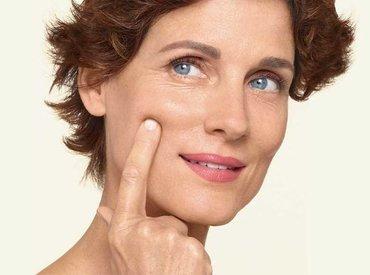 Πώς μπορώ να φροντίσω το δέρμα μου κατά την εμμηνόπαυση;