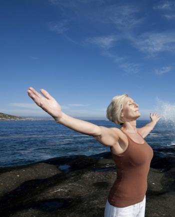 Πρόωρη Εμμηνόπαυση: Αντιμετωπίστε τα συμπτώματα με χαμόγελο