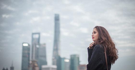 Οι επιπτώσεις της ρύπανσης στα μαλλιά σας