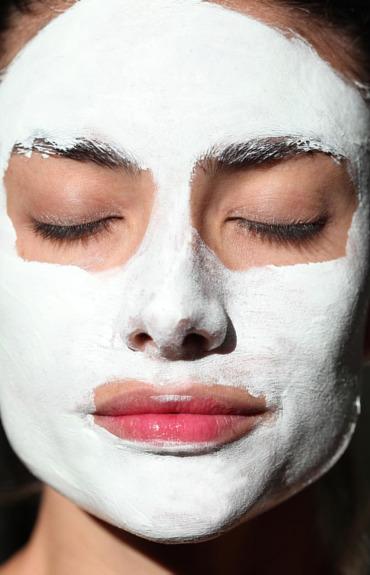 Πρέπει να εφαρμόσω ενυδατική μετά από τη μάσκα προσώπου;